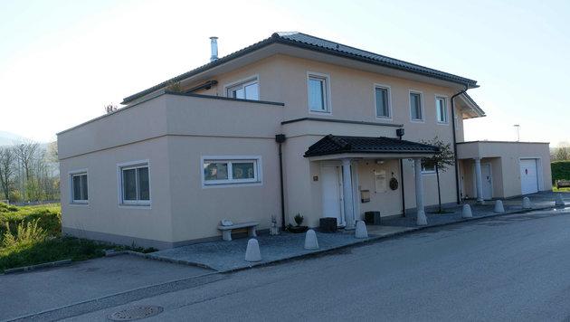 In diesem Haus spielte sich in Kirchdorf/Krems die Tragödie ab. Die Tochter fand die toten Eltern. (Bild: Horst Einöder)