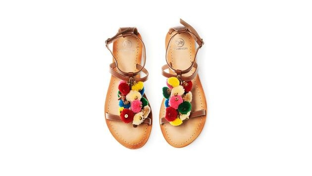 Sandalen mit bunten Bommeln (Bild: Salamander)