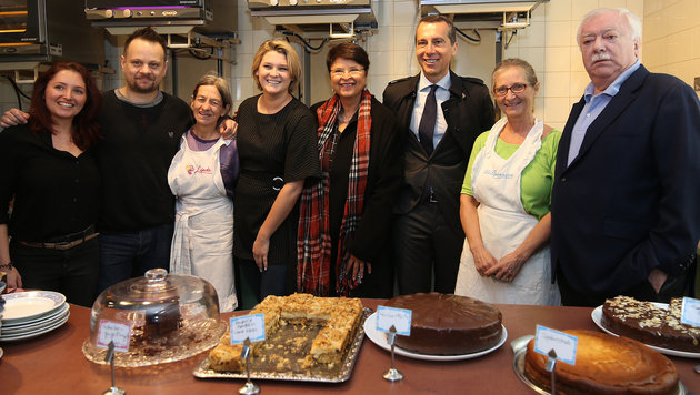 Kuchenverkostungen durften nicht fehlen. (Bild: KRONEN ZEITUNG)