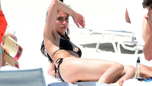 Beim Strandbesuch in Miami zeigt Lourdes Ciccone ihre Achselhaare. (Bild: Viennareport)