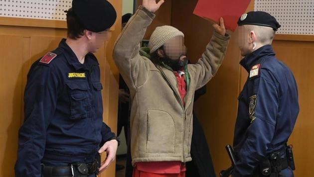Im Jänner musste sich ein Staatsverweigerer wegen Erpressung vor Gericht verantworten. (Bild: APA/HELMUT FOHRINGER)