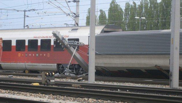 """Bahnhof Meidling: Neun Verletzte bei Zugskollision (Bild: """"Krone""""-Leserreporter)"""