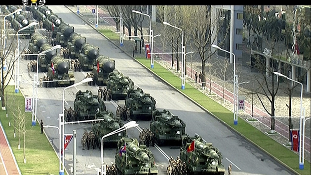Fernsehbilder zeigen die Militärparade. (Bild: AP)