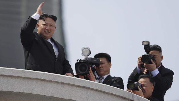 Kim Jong Un ließ sich bejubeln. (Bild: AP)