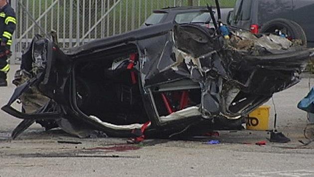 Crash mit 241-PS-Golf: Zwei junge Männer tot (Bild: Scharinger Daniel/Pressefoto Scharinger)