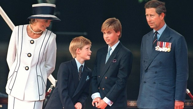 Prinzessin Diana mit Harry, William und Charles (Bild: EPA)