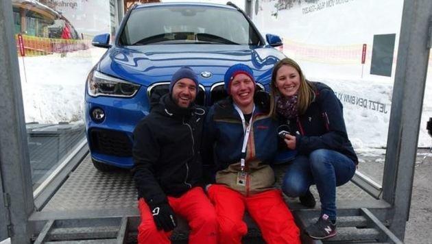 Alexander Kaindl mit seinem  X1, Bernhard Schartner (TVB) und Corinna Nussbaumer (BMW). (Bild: Gerhard Schiel)