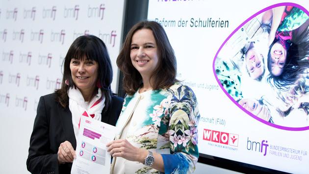 WKÖ-Vizepräsidentin Martha Schultz (li.) und  Familienministerin Sophie Karmasin (Bild: APA/GEORG HOCHMUTH)