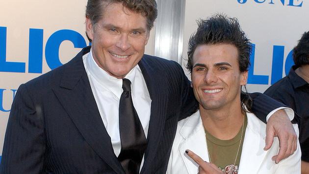Jeremy Jackson mit seinem Serien-Vater David Hasselhoff (Bild: Viennareport)
