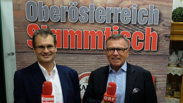 """""""OÖ-Krone""""-Chefredakteur Harald Kalcher (li.) und Reinhard Waldenberger (ORF OÖ) laden wieder ein. (Bild: Chris Koller)"""