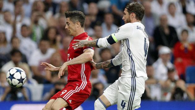 Spielfilm des historischen Spiels Real vs. Bayern (Bild: AP)