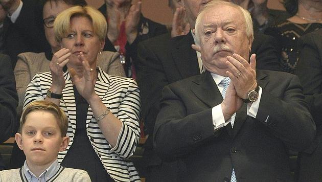 NÖ: Mikl-Leitner zur Landeshauptfrau gewählt (Bild: APA/HERBERT PFARRHOFER)