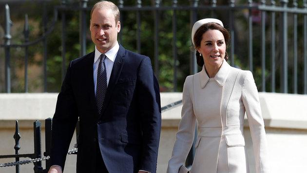 Prinz William und Herzogin Kate auf dem Weg zur Ostermesse auf Schloss Windsor. (Bild: AFP)