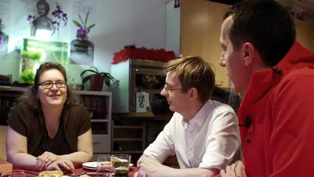 Pizzen von Kanzler Kern riechen nach Fake (Bild: YouTube.com)