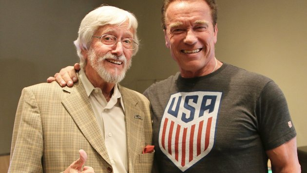 Jean-Michel Cousteau und Arnold Schwarzenegger (Bild: twitter/Wonders of the Sea3D)