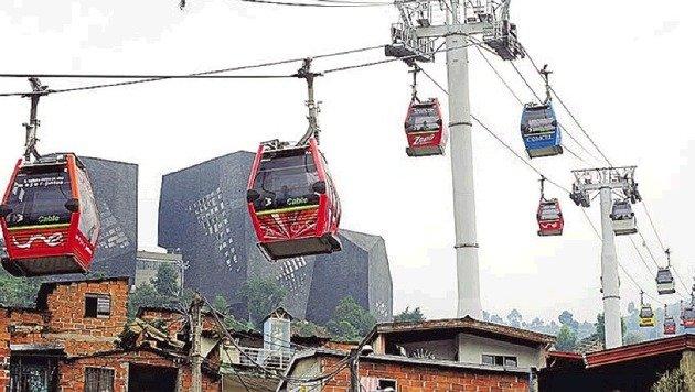 Keine Seltenheit in Kolumbien: Seilbahnen als Verkehrsmittel. (Bild: picturedesk.com)