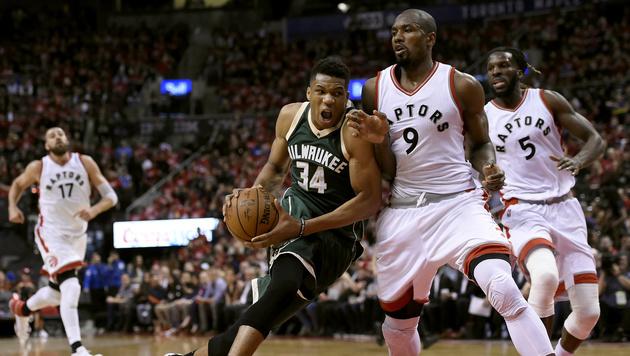 Toronto Raptors schaffen Ausgleich gegen Milwaukee (Bild: AP)