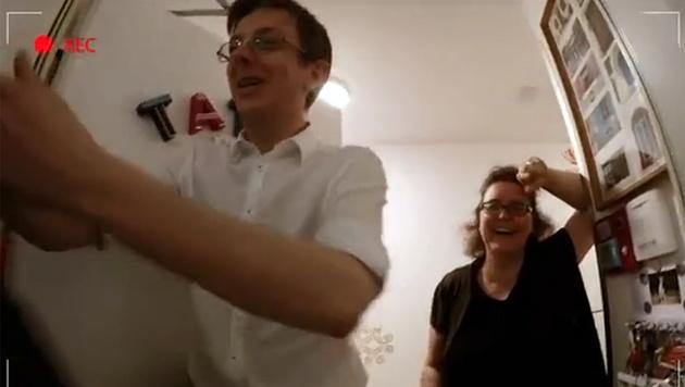 """Kern als """"Pizza-Kanzler"""" - eine gelungene Aktion? (Bild: YouTube.com)"""