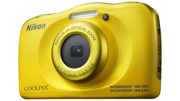 Beste Outdoor-Kamera: Nikon COOLPIX W100 (ab 123 Euro) (Bild: Nikon)