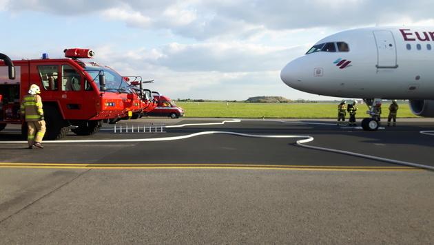 Eurowings-Airbus musste in Prag notlanden (Bild: Jakob Uhlik)