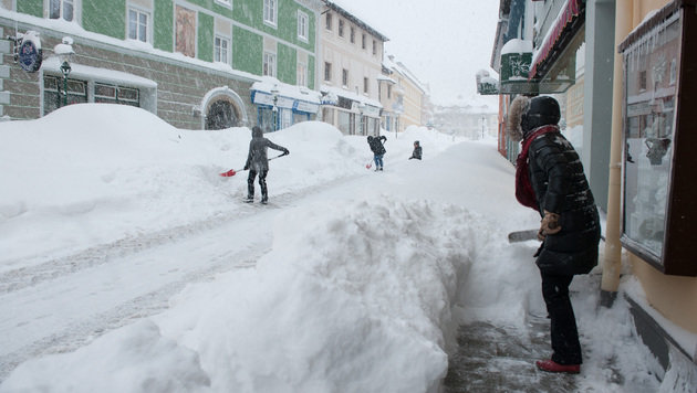 Schneemassen unter anderem in Mariazell... (Bild: Josef Kuss)