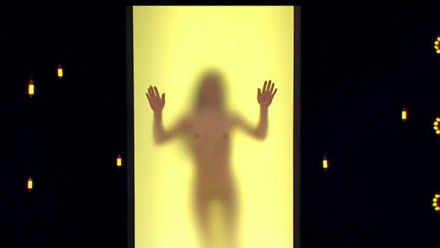 """In der TV-Show """"Naked Attraction"""" zeigen sich Kandidaten komplett nackt. (Bild: RTL)"""