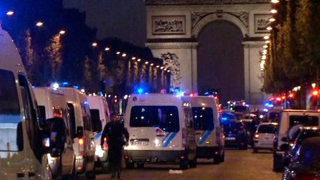 IS-Terror in Paris: Polizist und Angreifer getötet (Bild: AP)