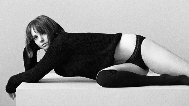 Maya Hawke (Bild: Calvin Klein)