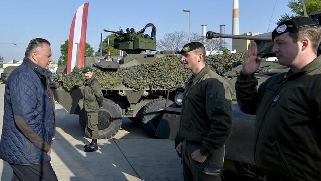 """Heer kauft 34 """"Pandur""""-Panzer um 105 Mio. Euro (Bild: APA/HERBERT NEUBAUER)"""