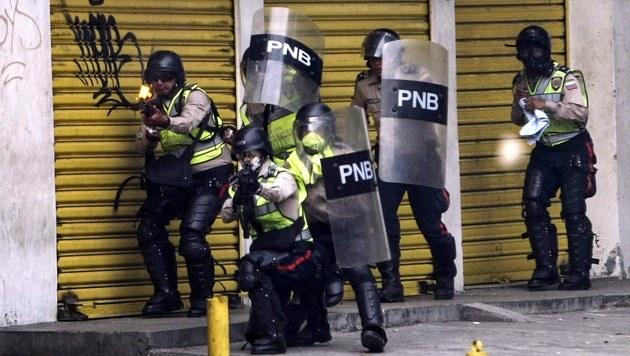 Caracas: Zwölf Tote nach Unruhen und Plünderungen (Bild: EPA)