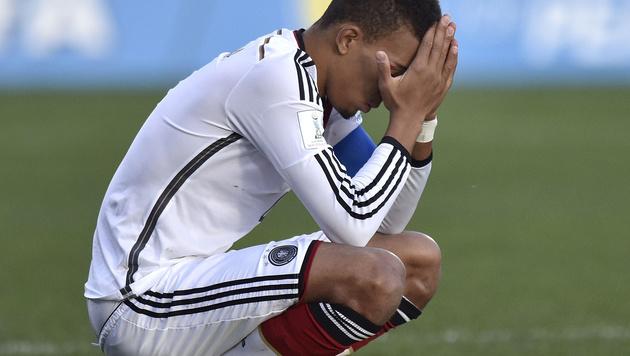 Deutscher Zweitliga-Kicker erlitt Halswirbelbruch (Bild: AFP)