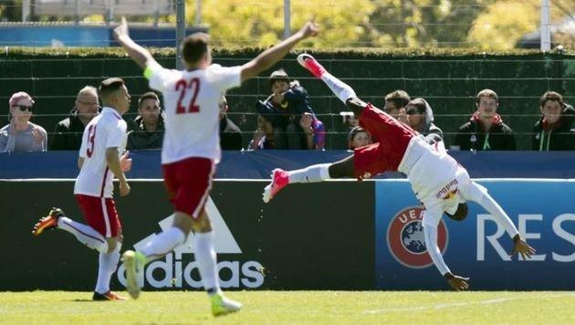Jungbullen nach 2:1 über Barça im Finale der Youth League (Bild: JEAN-CHRISTOPHE BOTT)