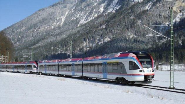 Die topmodernen Züge der Berchtesgadener Land Bahn sind in kurzer Zeit von Piding in Salzburg-Mülln. (Bild: Berchtesgadener Land Bahn)