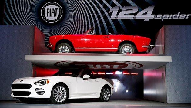 Die FCA-Gruppe baut2 2016 4,5 Millionen Autos - unter anderem den schnittigen Fiat 124 Spider (u.). (Bild: Reuters)
