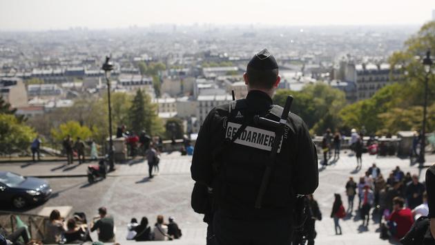 """Rückenwind für """"Kriegsherrin"""" Le Pen (Bild: AP)"""