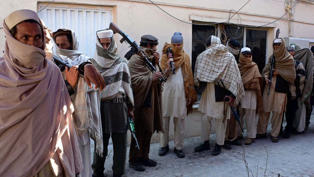 D: Tausende Taliban-Kämpfer unter Flüchtlingen (Bild: AFP)