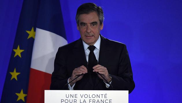 Der Konservative Kandidat Fillon scheiterte - und ruft seine Anhänger nun auf, Macron zu wählen. (Bild: AFP)
