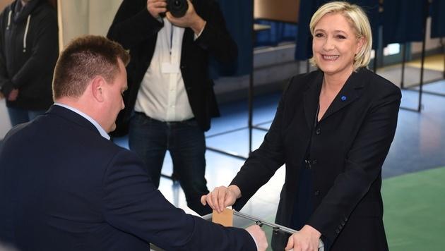 Marine Le Pen bei der Stimmabgabe (Bild: AFP)