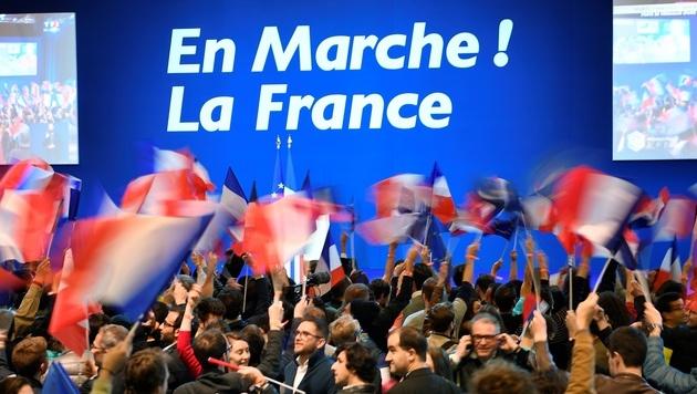 Macron knapp vor Le Pen in Präsidenten-Stichwahl (Bild: AFP)