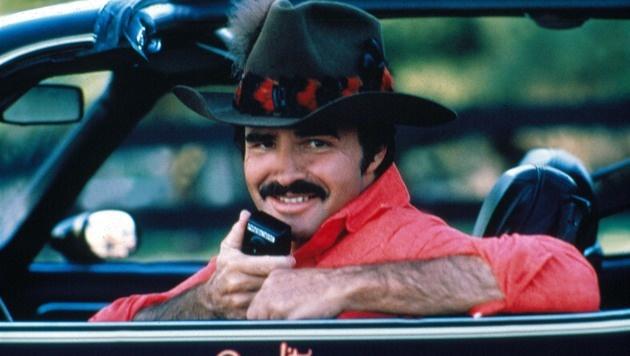 """Burt Reynolds in seiner Paraderolle in """"Ein ausgekochtes Schlitzohr"""" (Bild: Moviestore Collection/face to face)"""