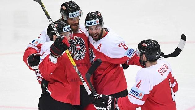 Österreichs Eishockeyteam besiegt Ungarn mit 3:1 (Bild: APA/HELMUT FOHRINGER)