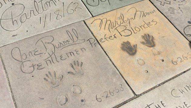 Gemeinsam mit Schauspielkollegin Jane Russell verewigte sich Monroe am Boden des Hollywood Boulevard (Bild: Clara Milena Steiner)