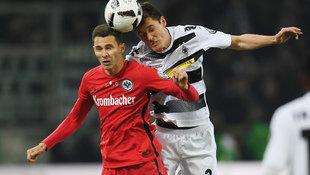 Eintracht Frankfurt zittert sich ins Cup-Finale! (Bild: AFP)