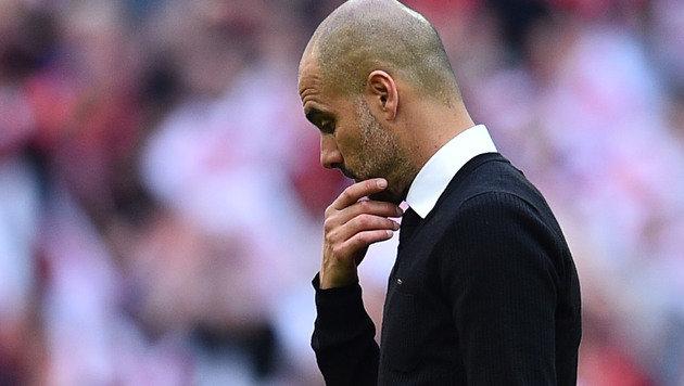 Englische Presse rechnet mit Guardiola ab (Bild: AFP)