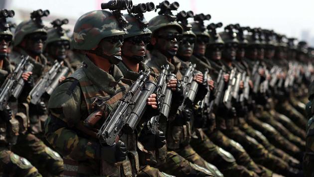 """US-Experte: """"Kims Waffen sind Plastikattrappen"""" (Bild: AP)"""