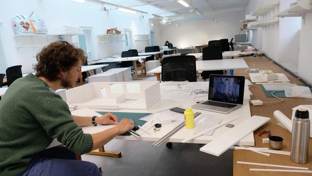 In den neuen Räumen arbeiten die Studenten bereits (Bild: Horst Einöder)