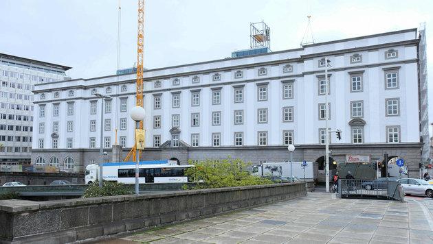 Die Renovierung des östlichen Brückenkopfgebäudes ist fast fertig, die Kunstuni ist eingezogen. (Bild: Horst Einöder)