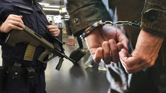 Das verrückte Doppelleben des Terrorverdächtigen (Bild: APA/HELMUT FOHRINGER, thinkstockphotos.de)