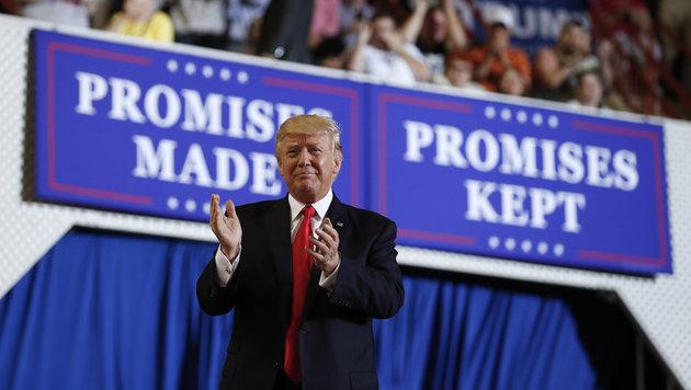 """""""Versprochen und gehalten"""": So zieht Trump Bilanz über seine bisherige Amtszeit. (Bild: AP)"""