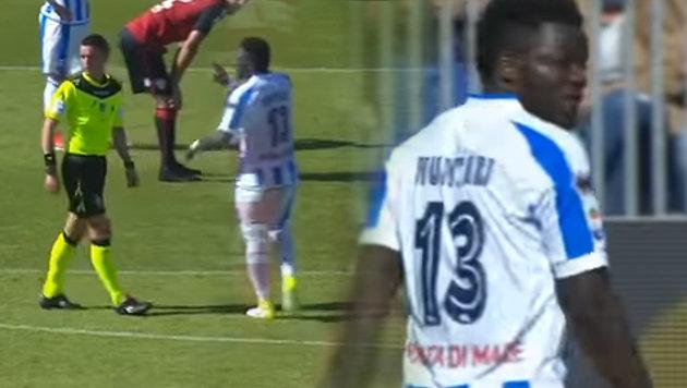 I: Kicker rassistisch beschimpft - und sieht Rot! (Bild: YouTube.com)